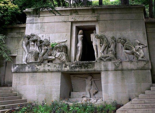Ünlülerin mezarlığı Pere Lachaise #6