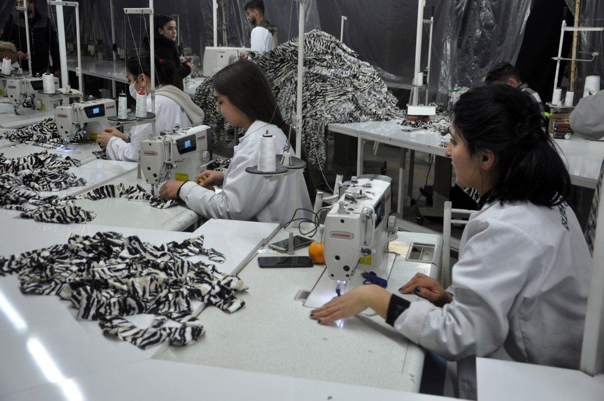 Yüksekova da tekstil kadınlara emanet #3